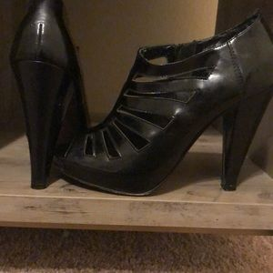 Steve Madden Leather Peep toe